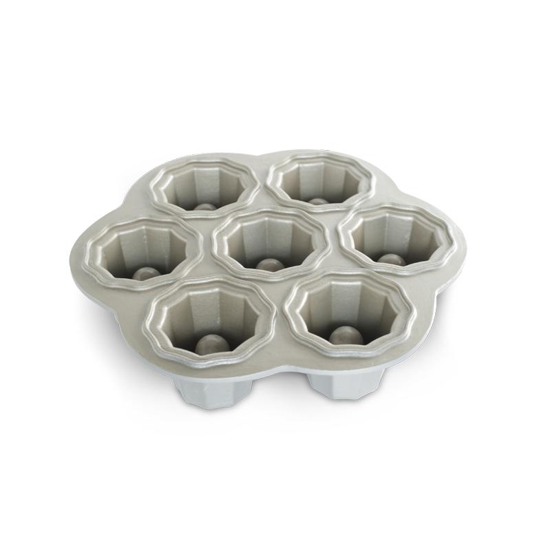 Nordic Ware Kakform Cookies & Cream