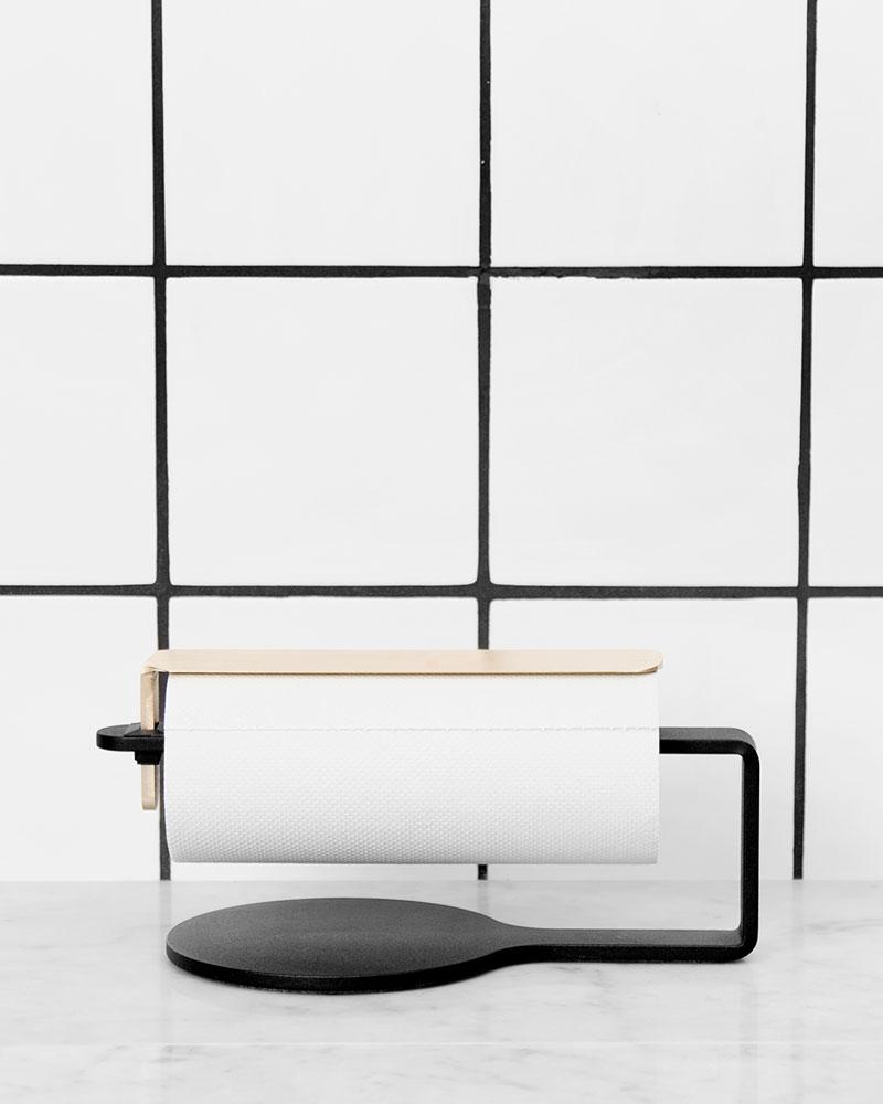 Scandinavian Design Factory Curve Hushållspappershållare Svart/Mässing
