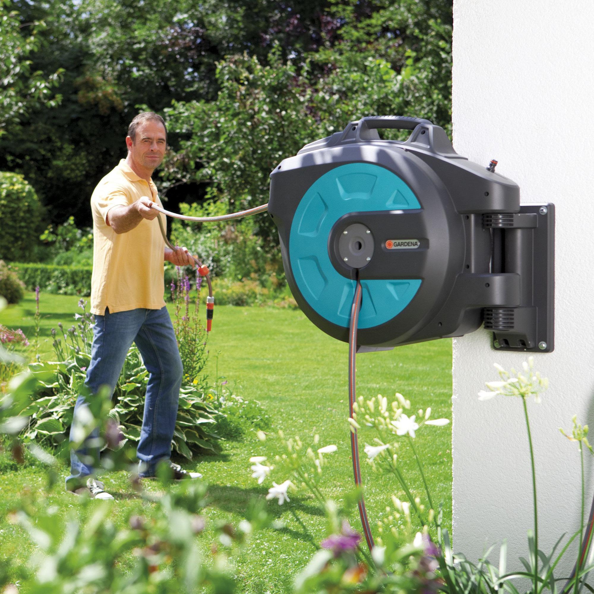 kj p comfort veggslangeboks 35 roll up auto fra gardena. Black Bedroom Furniture Sets. Home Design Ideas