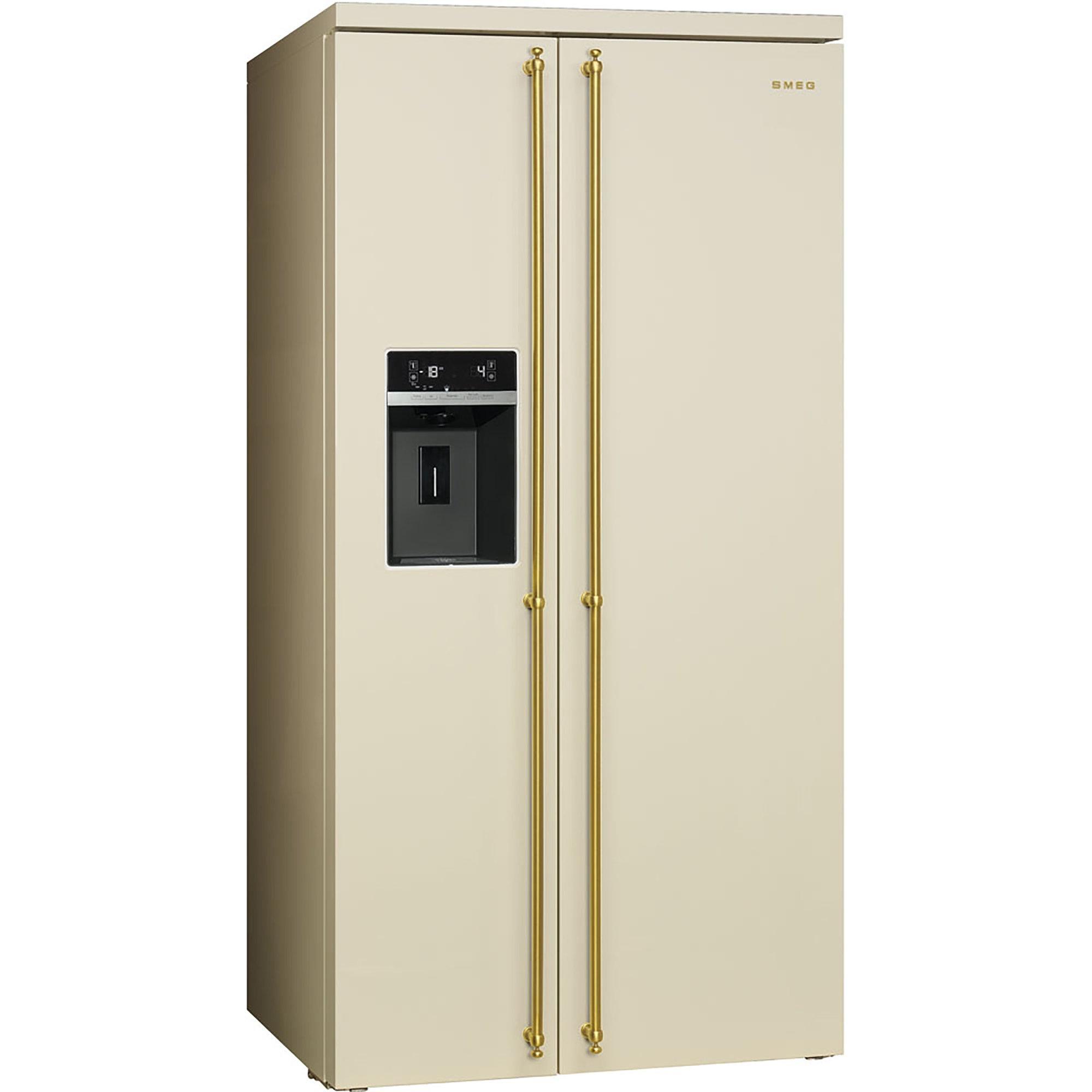 Smeg Colonial Side-by-Side Kylskåp/frys i Creme med Handtag i Guld